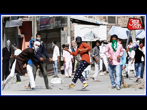 Stone Pelting Takes Place In Kashmir Post The Friday Namaz