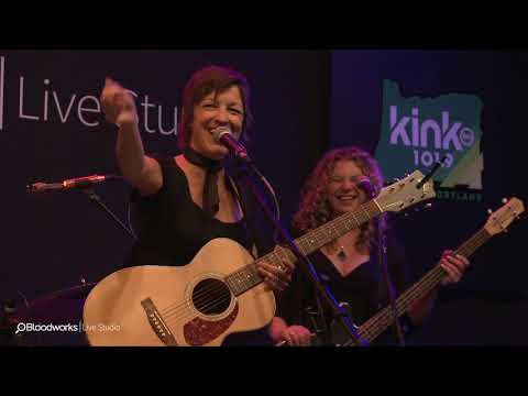 Ashleigh Flynn and the Riveters - Interview (101.9 KINK) Mp3