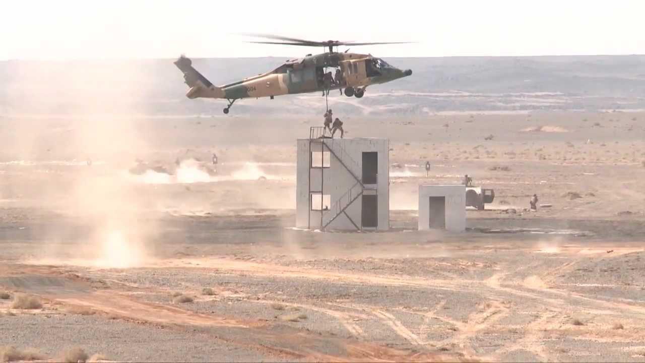 U.S. Special Operations & Australian Defence Force • Nighttime Fast-Rope Training Australia Jul 17