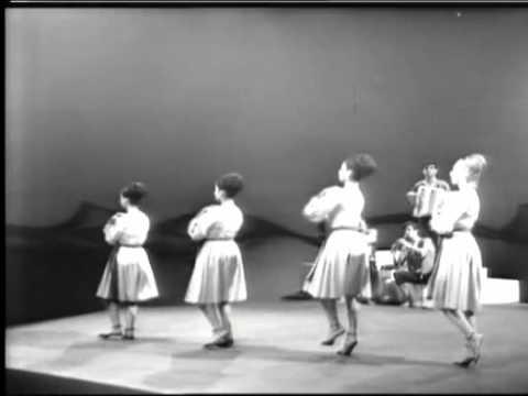 HaPa'amonim  - Israeli folklore (live in France, 1963) -  2  -