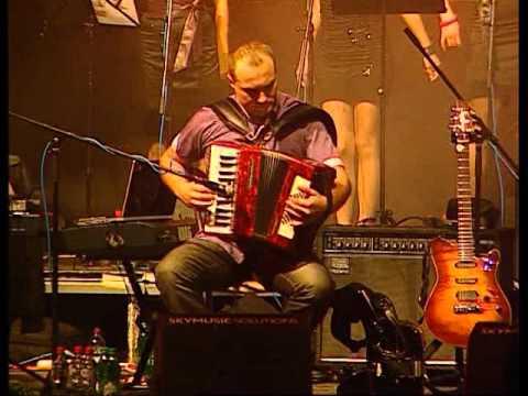 Aco Pejovic - Taksi - (Live) - (Hala Pionir 01.10.2010.)