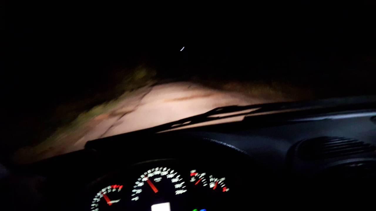 машина ночью фото