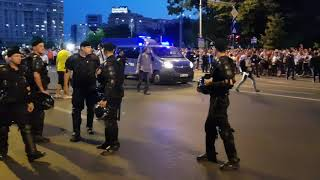 Protest #rezist 20.06.2018 - Jandarmeria intra cu duba violent printre protestatari