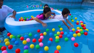 KEYSHA MENGISI KOLAM RENANG PENUH BALON WARNA WARNI The Ball Pit Show In Swimming Pool