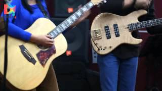 DescribeIndonesia.com - Live D! Studio: Endah N Rhesa - No Tears From My Eyes