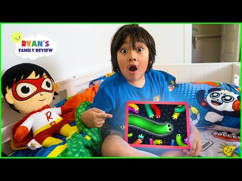 What's on my iPad with Ryan!! Slither.io, Pac Man, Tag with Ryan Kids Games!