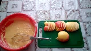 Шарлотка с яблоками на скорую руку