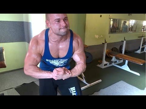 Bodybuilder Biceps & Triceps Day
