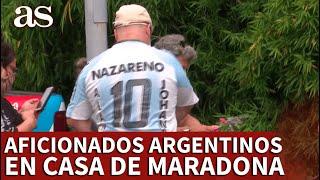 MUERE MARADONA | Hinchas argentinos frente a la casa de Maradona: