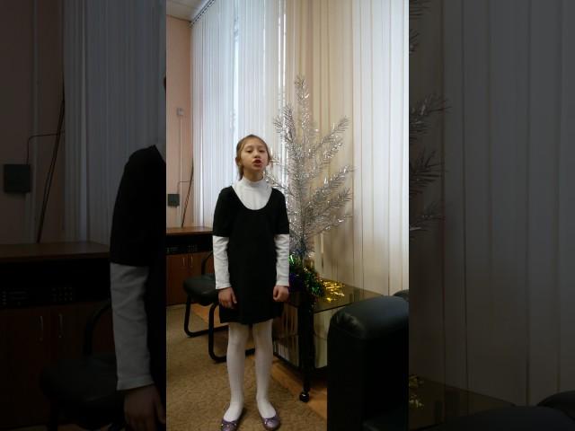 Изображение предпросмотра прочтения – ВераСоловьева-Волынская читает произведение «Над морем красавица- дева сидит» М.Ю.Лермонтова