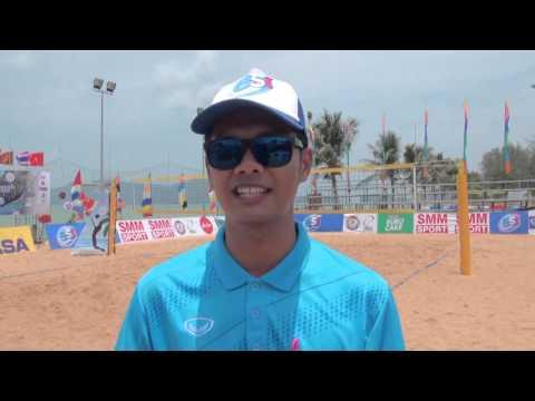 ผู้ตัดสินวอลเลย์บอลชายหาดสุดฮอตขวัญใจเด็กๆ