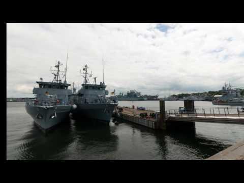 Open Ship -- Tender Donau (Kieler Woche 2016); Schnellboote (Kieler Woche 2016); Sea Lynx Mk88A