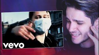 Смотрю клипы про коронавирус