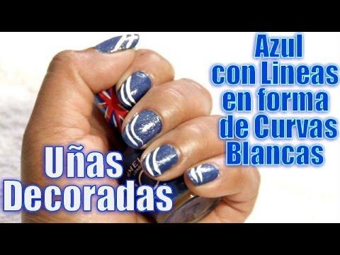 Uñas Decoradas Azul Con Lineas En Forma De Curvas Blancas Youtube