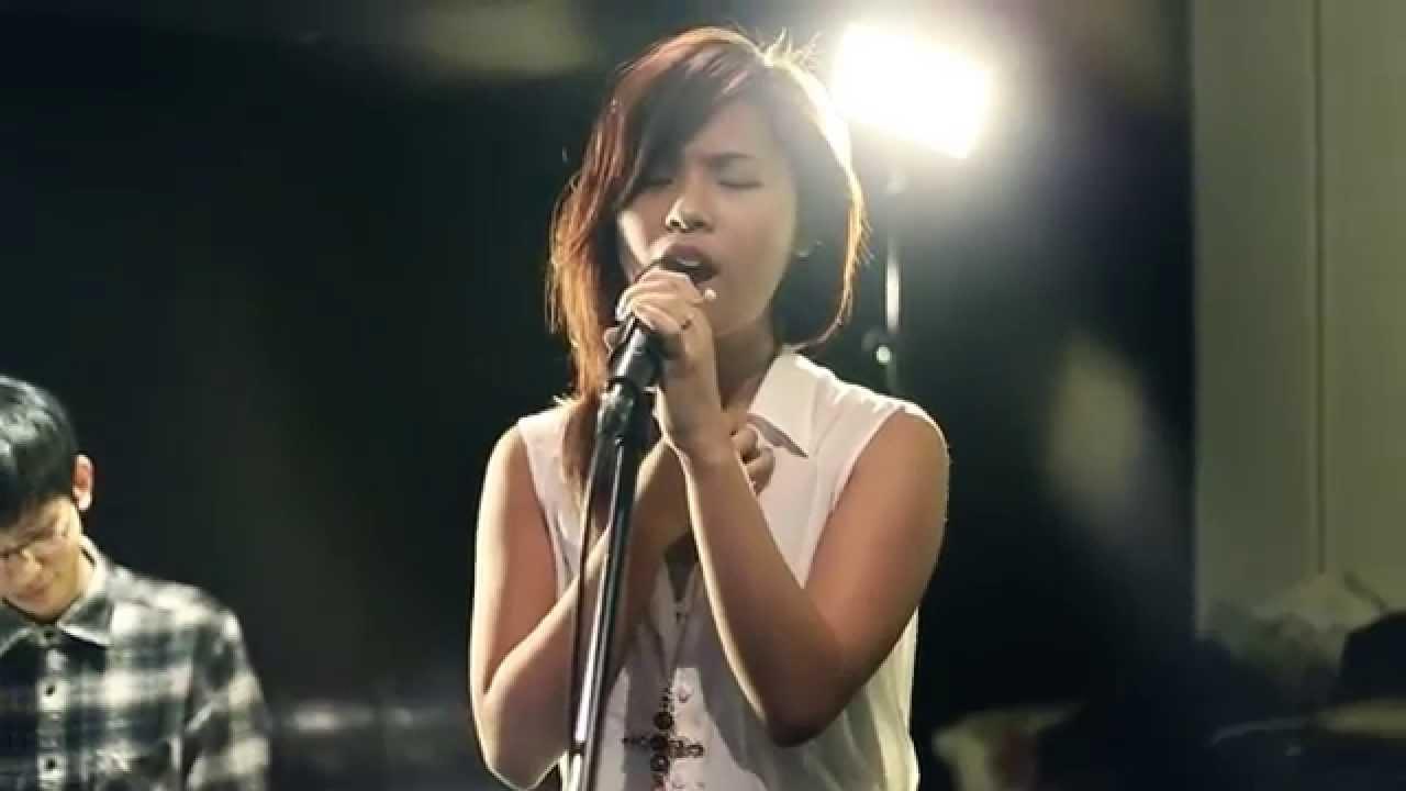 茜拉想你的夜视频_王嘉儀 - 想你的夜 (茜拉版本/ 原唱: 關喆) Live Piano Version - YouTube