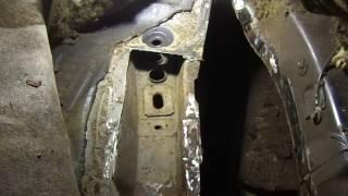 Ремонт полика автомобиля или к чему приводит строительная пена