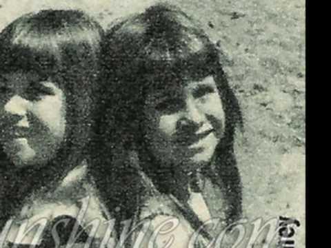 Lindsay and Sidney Greenbush