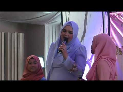 Dato' Sri Siti Nurhaliza - Comel Pipi Merah with Lyrics [Gathering Sitizone14]