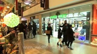 Shoe tree - The hub of international footwears, Select citywalk