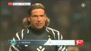 Kung Fu   Wiese kickt Thomas Müller ! Bayern   Bremen 29 01 11 Foul HD