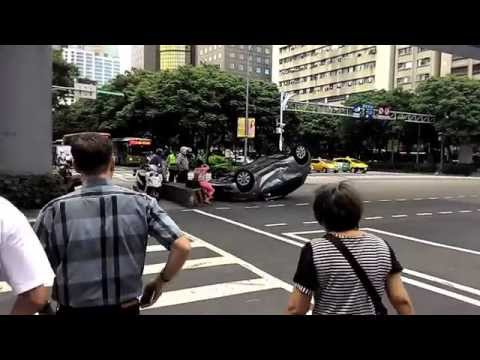 car accident in Taipei car inverse Yaris