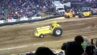 2011 Louisville farm machinery show tractor pull 2