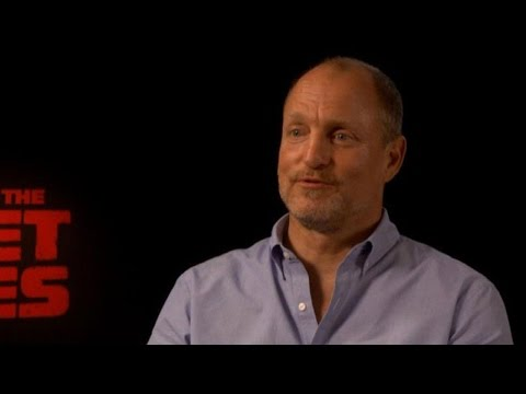 Woody Harrelson Reflects on 'Cheers' 35 Years After Its Debut