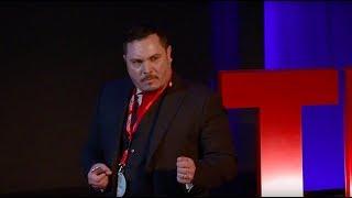 Αξίες που αποκόμισα, χτίζοντας μια πολυεθνική από το μηδέν | Anastasios Spanidis | TEDxChania