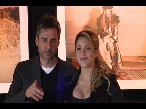 Shakira reaparece ante los medios ¡y con escotazo! thumbnail