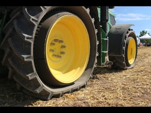 DEMO: Mitas Displays PneuTrac Tire Concept