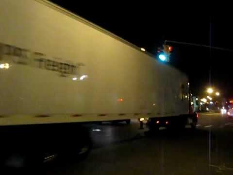 Overnite/UPS Tractor Trailer_1359.AVI