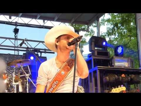 Justin Moore   POINT AT YOU Indy 72013