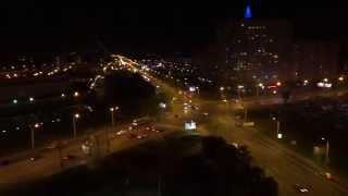 Ленинский проспект ночью.
