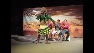 Azis - Huysuz Bir Kadın - Koca Arıyor - Müzikli Güldürü Gösterisi -  A  Crazy Lady Funny Comedy Show