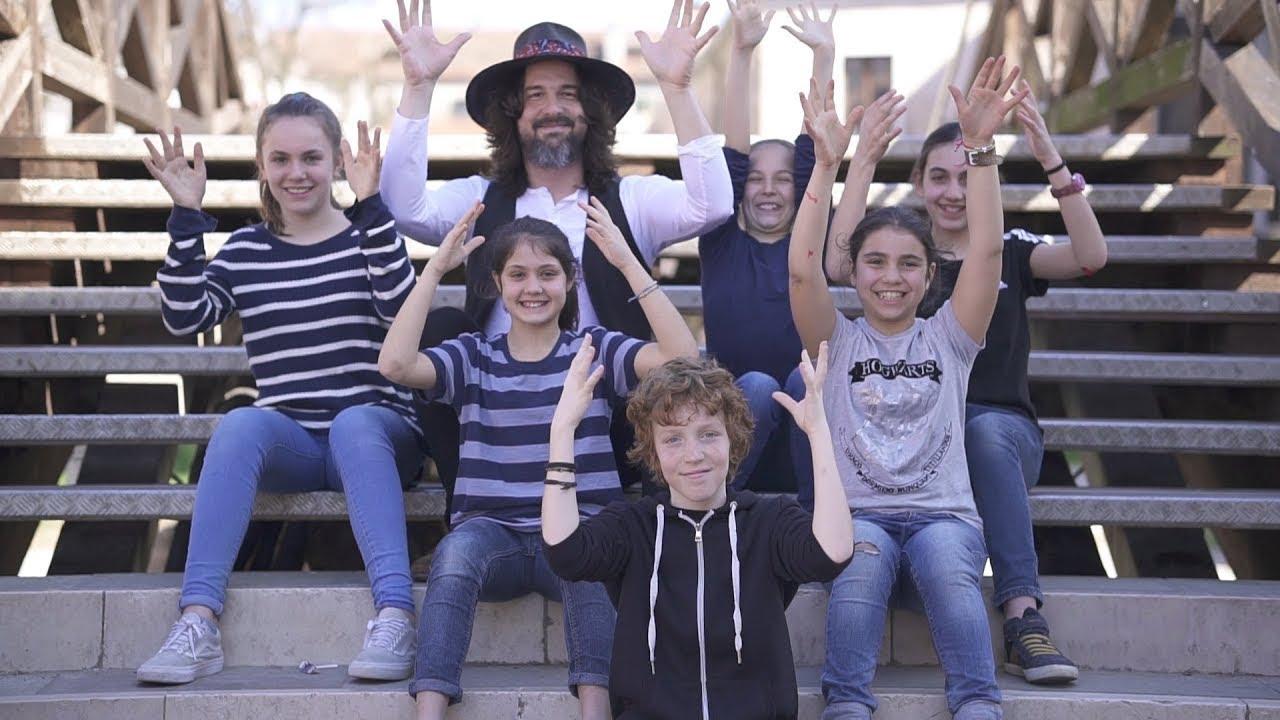 Credo in una scuola - Luca Bassanese (official video)