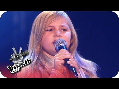 Yvonne Catterfeld - Für Dich (Mia)   Blind Auditions   The Voice Kids 2016   SAT.1