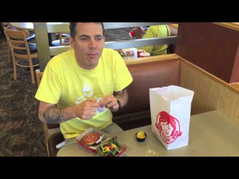 Steve O Tries a Wendy's Veggie Burger