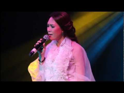 Yeu dai kho - My Tam ( MTV Bar 10.05.2012 )