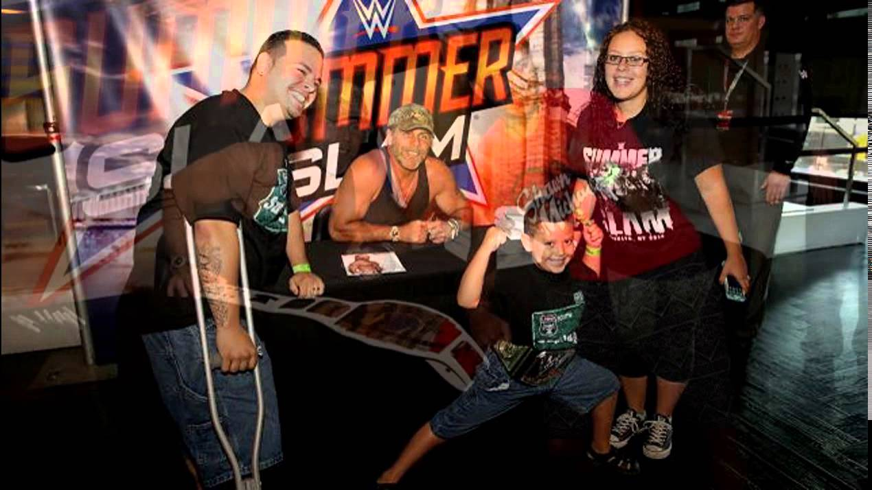 Wwe legend sing and shawn michales meet the and greet wwe summerslam wwe legend sing and shawn michales meet the and greet wwe summerslam week slide show kristyandbryce Image collections