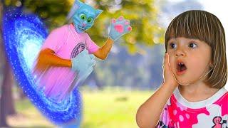 Лучшая история про кошек для детей | Веселый говорящий кот Папа и Арина играют в волшебные прятки