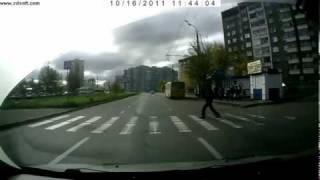Пешеход-идиот :)