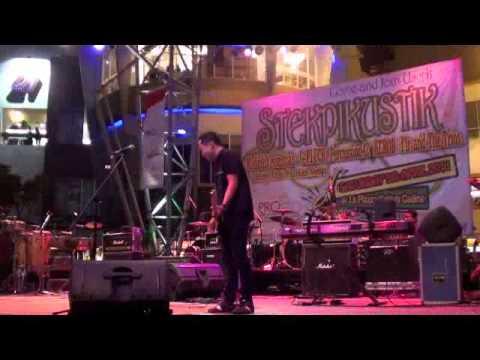 AEROB Band Lve at STEKPIKUSTIK 2011 (2 tahun yg lalu)
