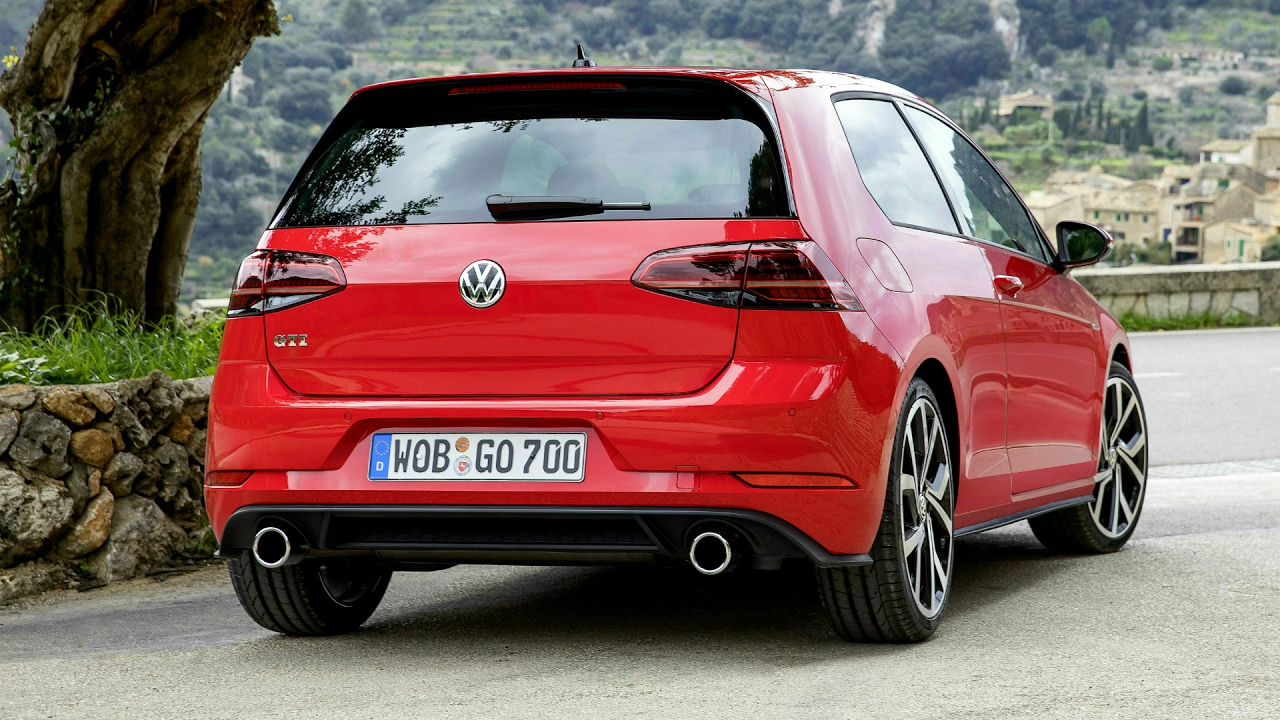 2017 volkswagen golf gti improved performance 230 ps. Black Bedroom Furniture Sets. Home Design Ideas