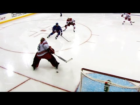 Gotta See It: Darling gets fooled by bouncing puck to give Rangers easy goal