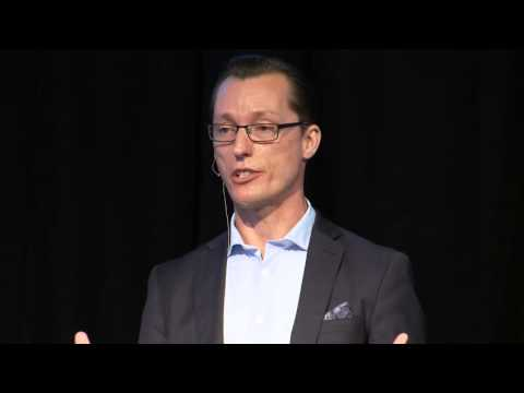 Uncomfortable 'truth' between right and wrong | Chris Rhyss Edwards | TEDxQUT