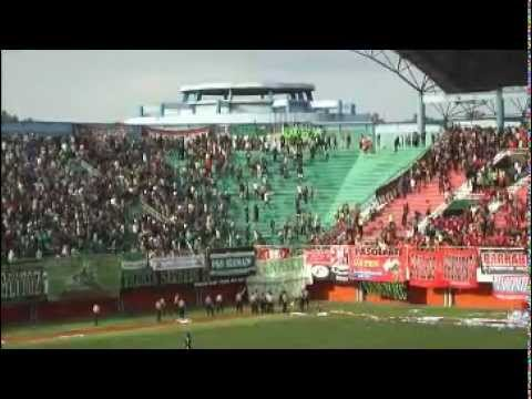 PSS vs Persis Solo - Bentrok Supporter