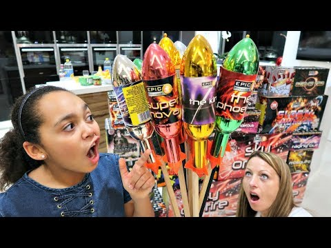 � On Fireworks! Happy New Year 2018 | Toys AndMe Special