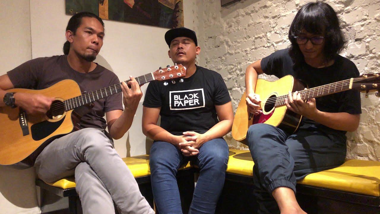 BlackPaper - Tentang Suria (Akustik  With Isma dan Faiz)