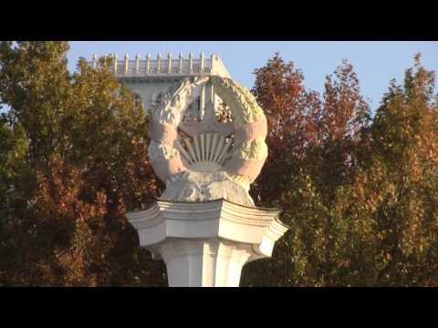 Tajiks Prepare To Remove Soviet Column