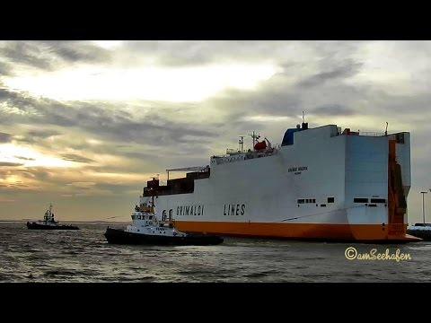 car & container carrier GRANDE NIGERIA IBRF IMO 9246580 timelapse outbound Emden with tugs & pilot